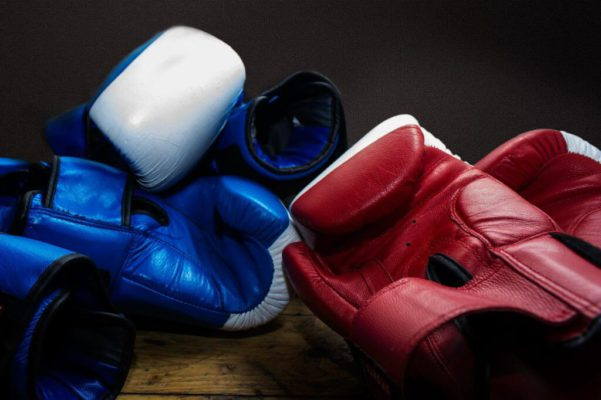 how to choose the boxing gloves
